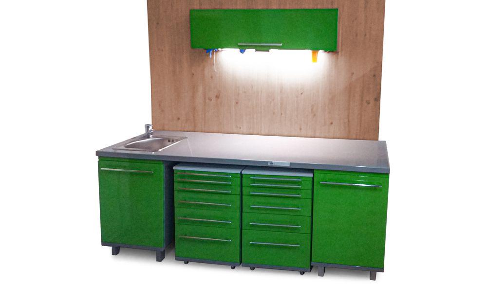 Медицинская мебель для стоматологического кабинета из металла с полимерным покрытием.